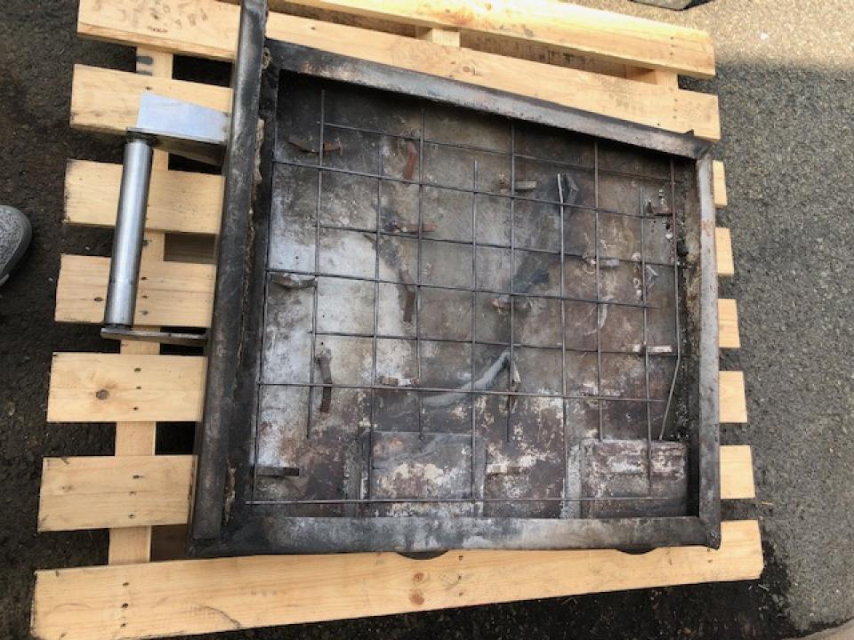 環境負荷の少ない家具工場/灰と端材の再利用方法とは